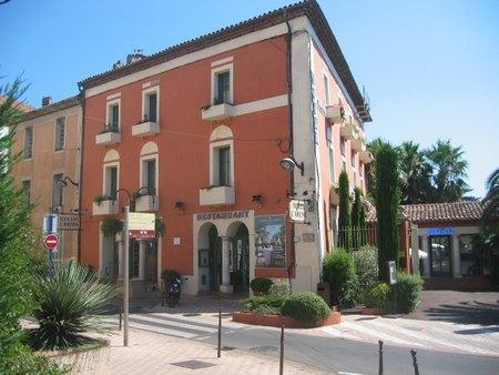 Fr jus h tels particuliers et villas de fr jus location for Hotels frejus