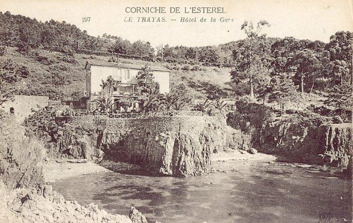 Trayas saint raphael cartes postales anciennes h tel de la gare - Maison au bord de la voie ferree ...