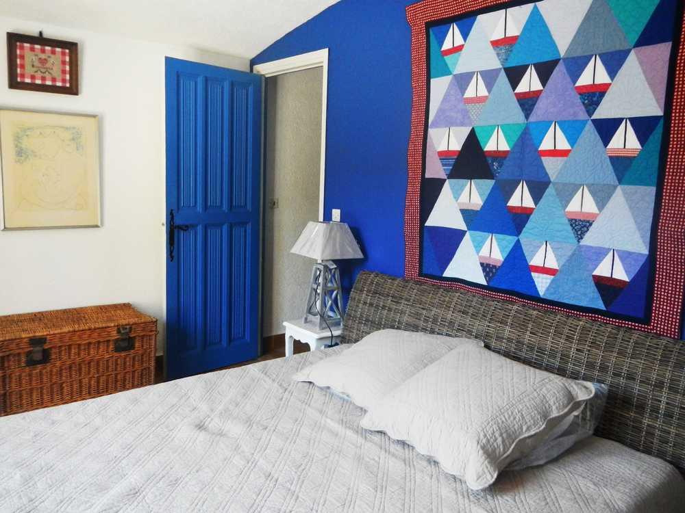 Chambre Bleue : Location villa climatisée piscine fréjus var