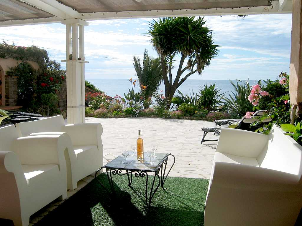 Seaside villa rental French Riviera Saint Raphael Var.